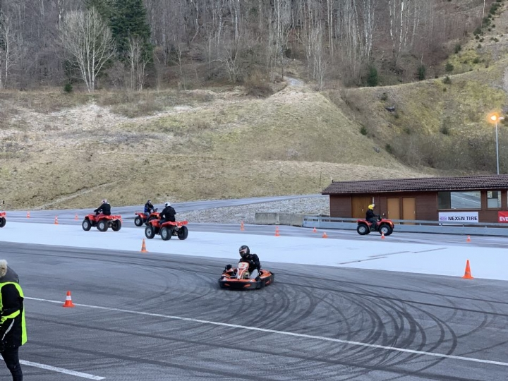 Action pur: Winterdrifting in Seelisberg